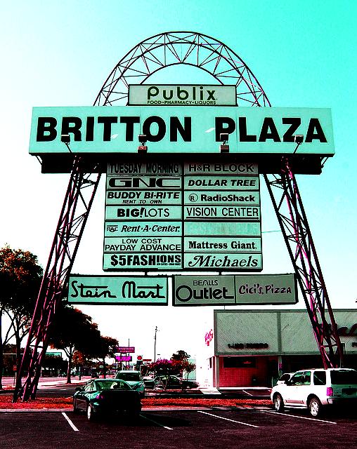Print & Copy Shop at Britton Plaza in Tampa